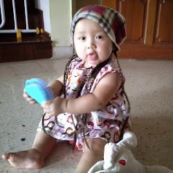 Daisy Amelia @ 8 months