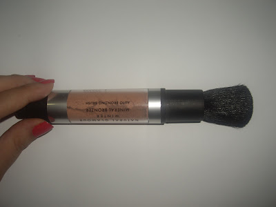 Natural Glamour Mineral Bronzer Applicator Protector Pushed Down