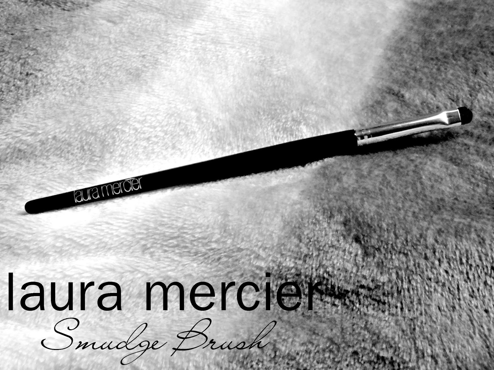 Laura Mercier Smudge Brush Review, Photos