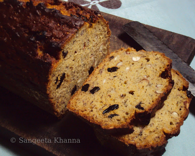 wholewheat and wheat bran banana bread...a nutty one..