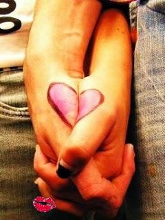 Loving Couple Holding Hands - Love Mobile Wallpaper