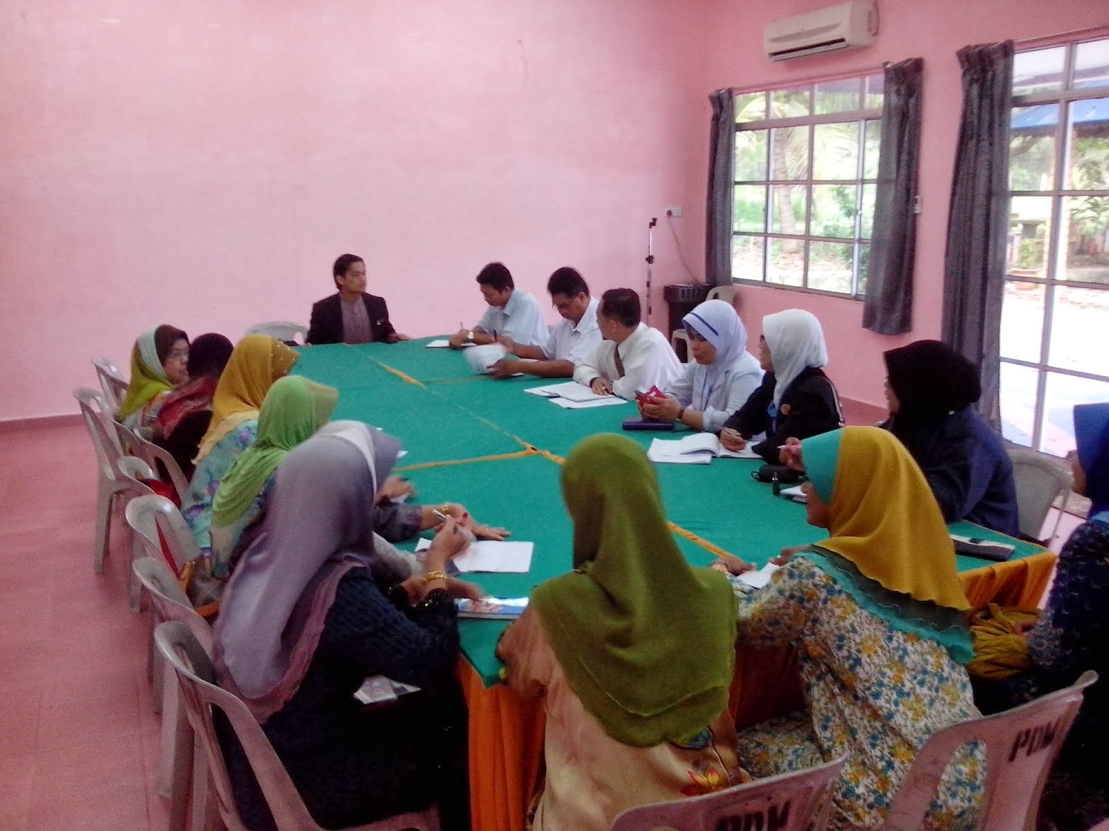 Mesyuarat bagi mengadakan Program KOSPEN Pada 14-12-2014 .ORANG RAMAI DIJEMPUT HADIR .