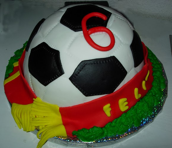 tarta fondant, cumpleaños, futbol, balon, seleccion española