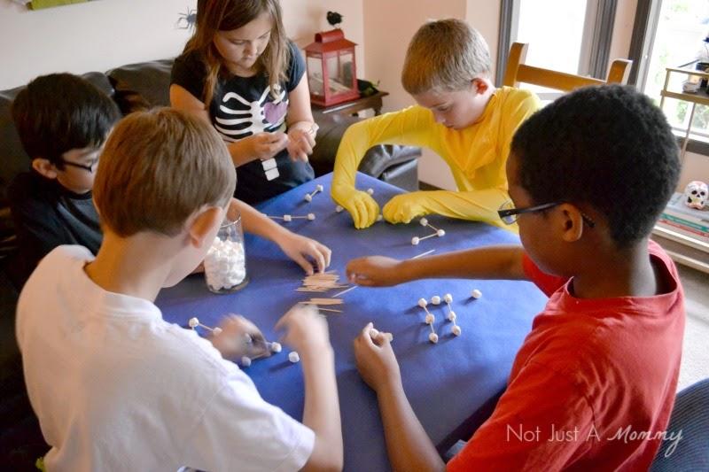 Mad Scientist's Lab: Building Molecules