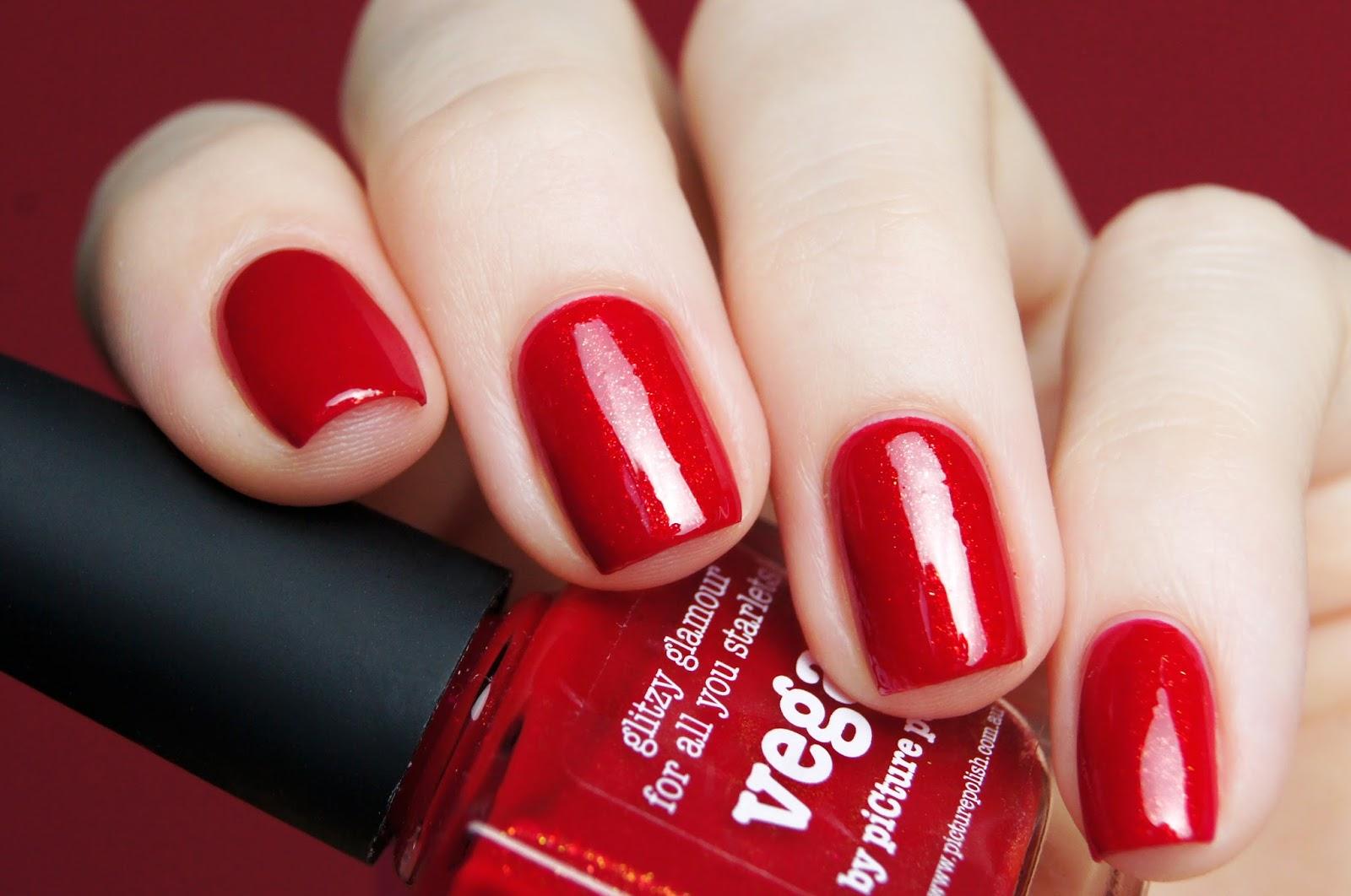 Красный лак ногтях фото
