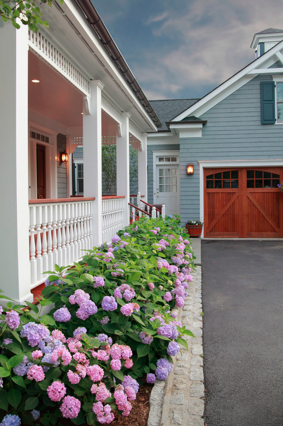 http://www.houzz.com/photos/73949/Westchester-County-New-York-Exteriors-traditional-exterior-new-york