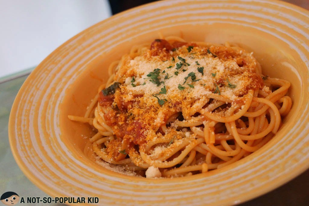 Simple yet well-cooked Tomato Basil Pasta in Big Daddy Jay's