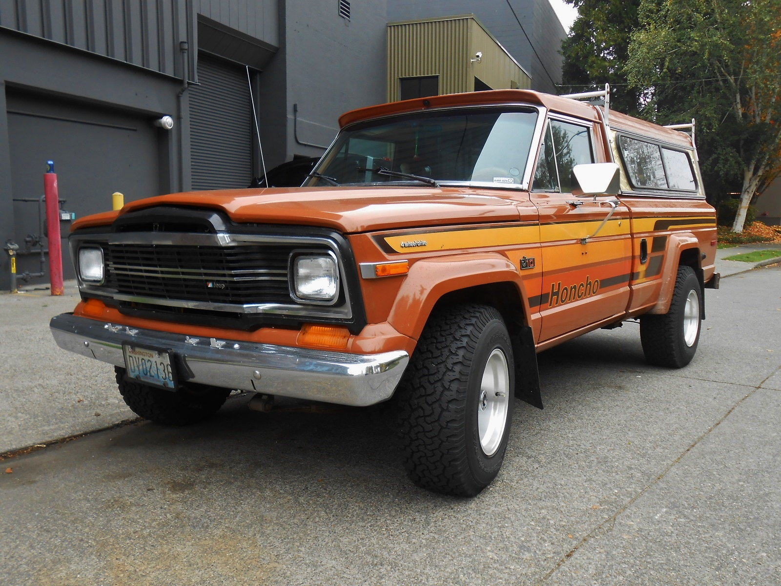 seattle's parked cars: 1979 jeep j10 honcho