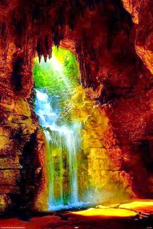 amazing cave waterfall parc des buttes chaumont paris france best photos. Black Bedroom Furniture Sets. Home Design Ideas