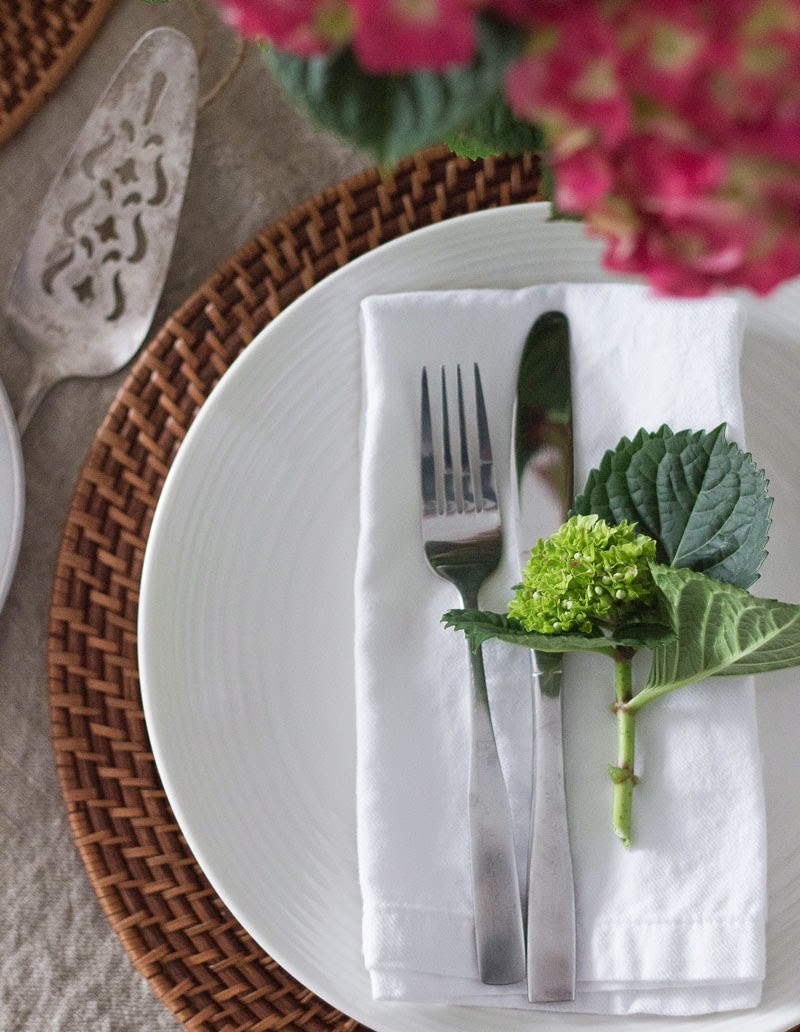 Easter table, Spring table, simple table setting