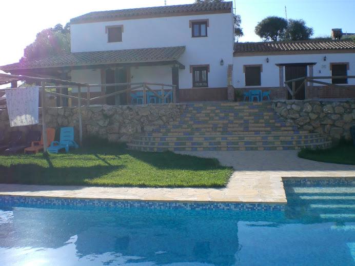 Casa rural los cuatro olivos prado del rey el bosque for Casas con piscina privada en cadiz