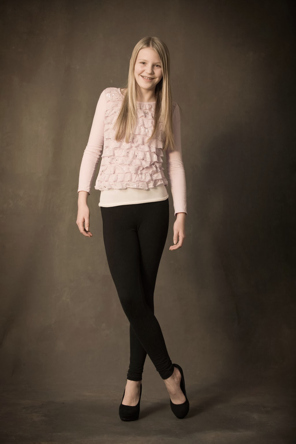 Olivia Holt - Olivia Holt Photos - Teen Vogue Young
