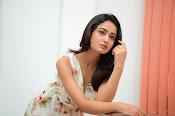 Tridha glamorous photo shoot-thumbnail-1