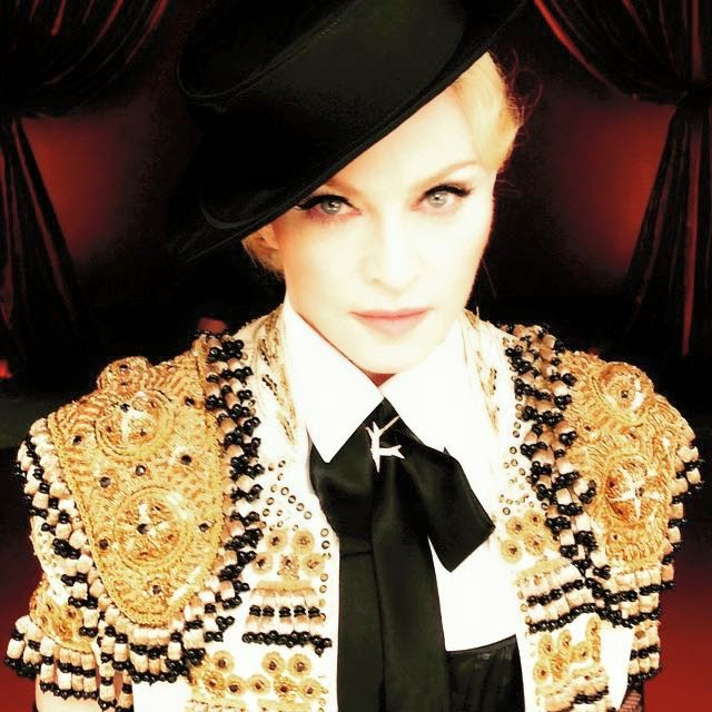 Madonna cea mai noua melodie 2015 Madonna Living For Love videoclip nou oficial YOUTUBE MADONNAVEVO HIT official video vineri 6 februarie 2015 regina muzicii pop ultima piesa a Madonnei de pe noul album Rebel Heart new single new song 06.02.2015 melodii noi Madonna videoclipuri 2015 originale muzica noua february 6th 2015 ultimul hit Living For Love noutati muzicale cantece noi ale Madonnei ultima melodie Madonna noul clip officiel