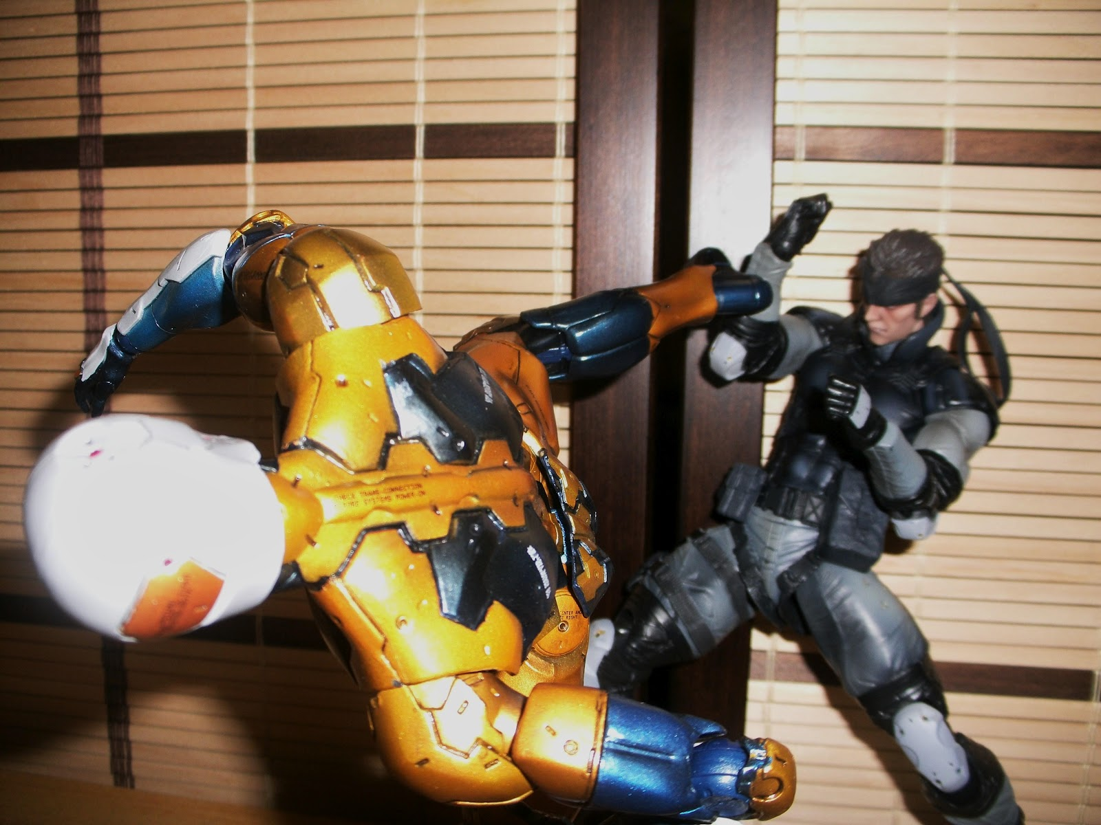 how to tell bootleg play arts kai stand