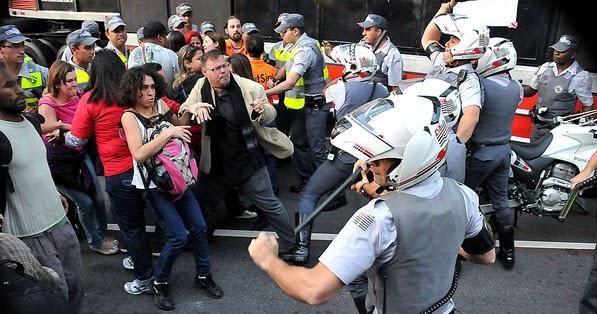 O MASCATE: Greve politica dos professores de SP acaba em pancadaria.