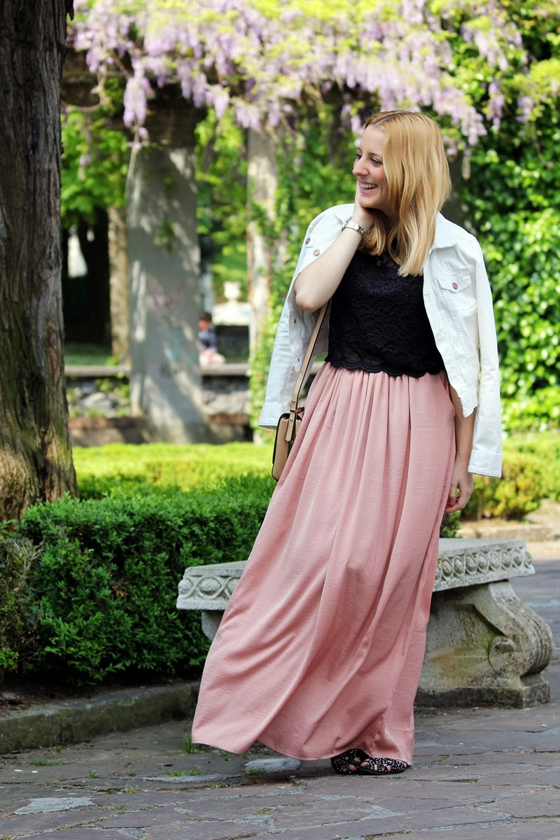 long_skirt_outfit-black_crop_top-fashion_blogger_bilbao