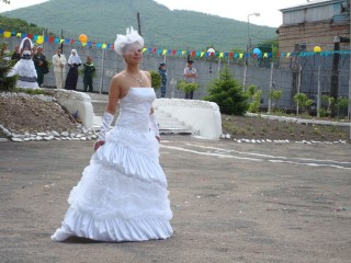Поза невесты задом