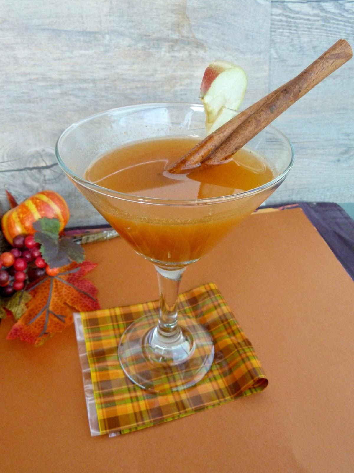 Vanilla & Spice: Pumpkin Apple Cider Cocktail