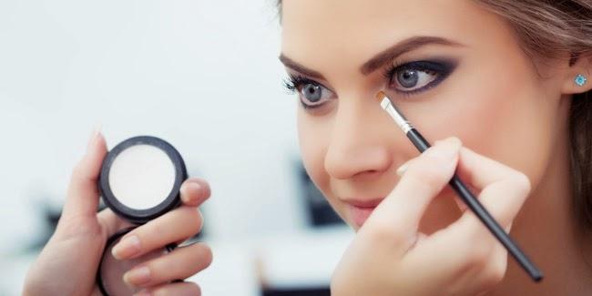 Cantik : Tips Make Up Mata Basic Bagi Pemula