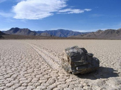 Moving Rocks of Death Valley's photos