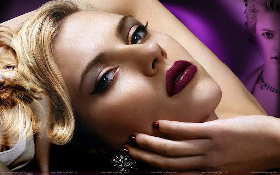 Scarlett_Johansson_world_hottest_lips
