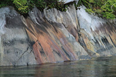 Different Coloration in Barnard Harbour, Iron Oxides?