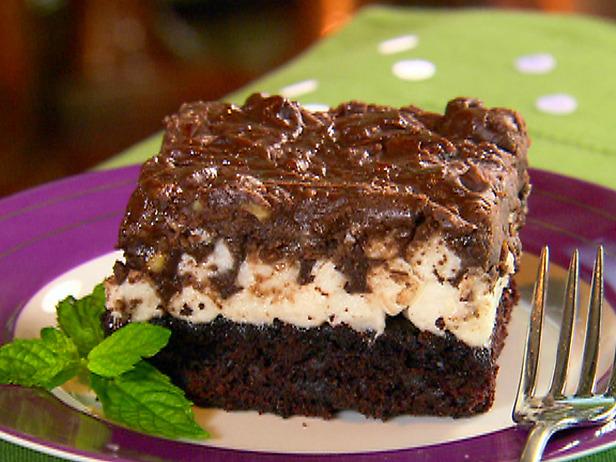 Paula Deen Cake Recipes: Mississippi Mud Cake