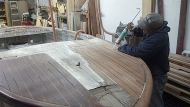 Before - 19&#39; Chris-Craft Capri Deck Stripped
