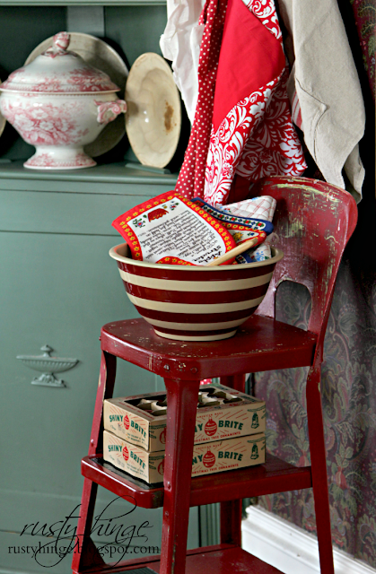 Christmas vintage red step stool
