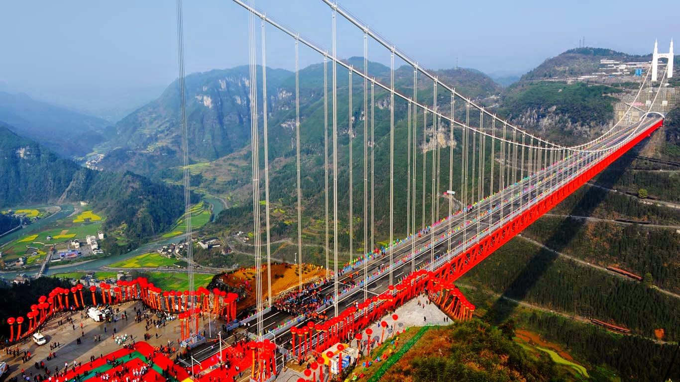 Aizhai Suspension Bridge, Hunan Province, China (© Imaginechina/Corbis) 151