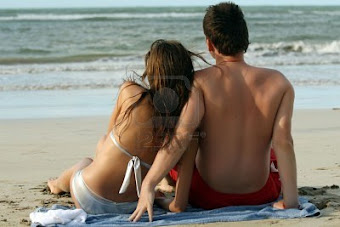 estar con él en la playa como aquella vez que nos dejamos llevar por el deseo de la piel.