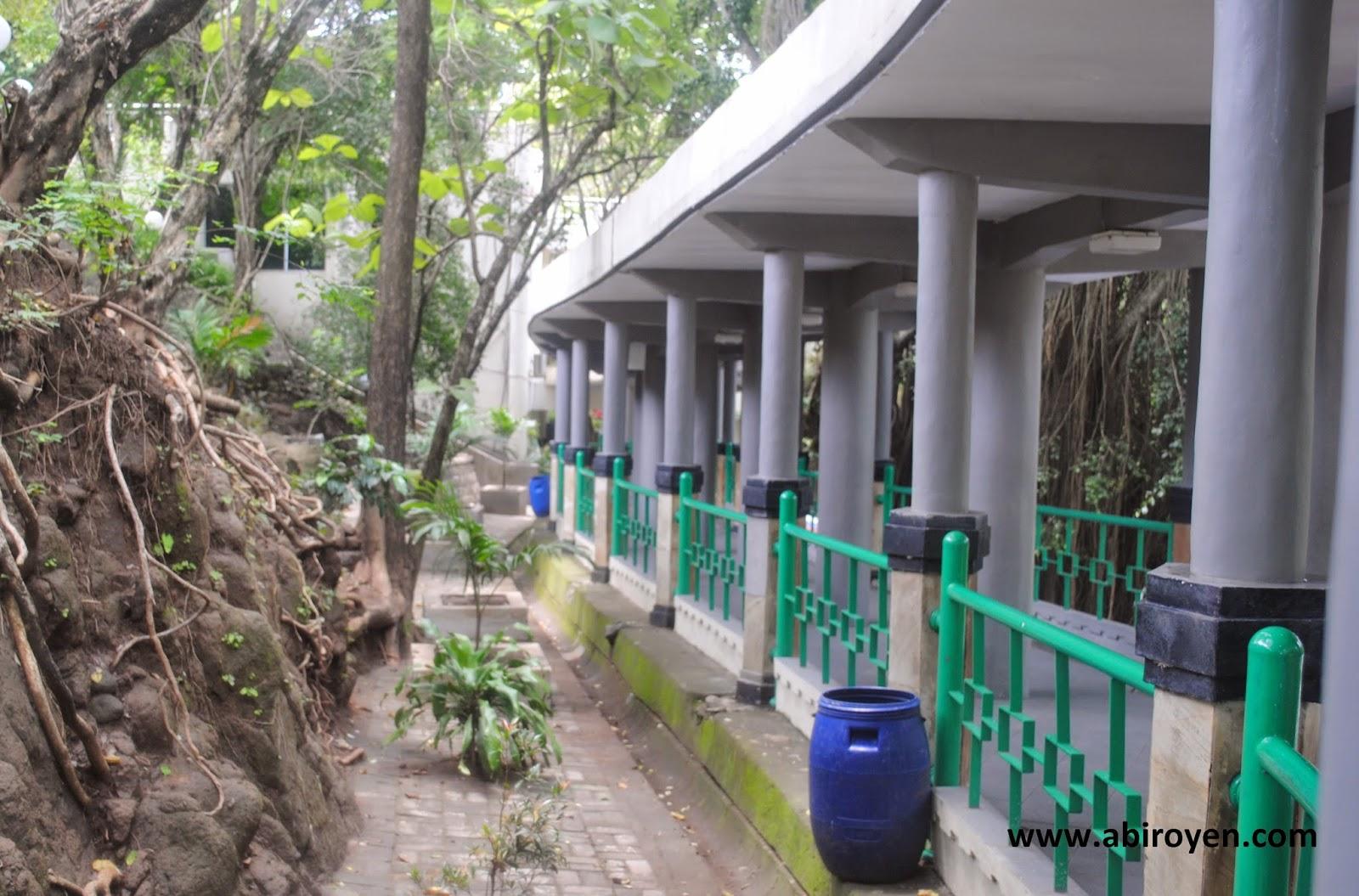 Lorong%2Bsangiran Jalan jalan wisata liburan ke Museum Purbakala Sangiran Sragen Jawa Tengah