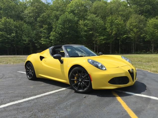 2016 New  Alfa Romeo 4C Spider Test Drive side view