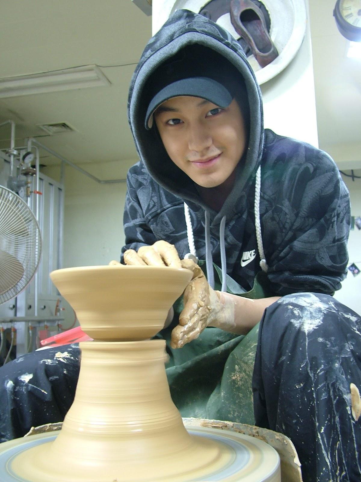 http://3.bp.blogspot.com/-kILjWFDZo8k/T9BzvZzZSMI/AAAAAAAAJMk/VAjj4FkBrR0/s1600/Kim+Bum+20.jpg