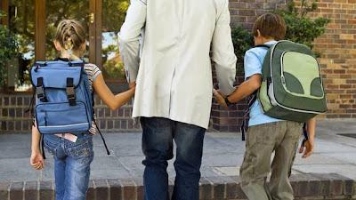 Σε λίγες ημέρες αρχίζει η νέα σχολική χρονιά. Τ ι πρέπει να γνωρίζει ένας Διαζευγμένος Πατέρας
