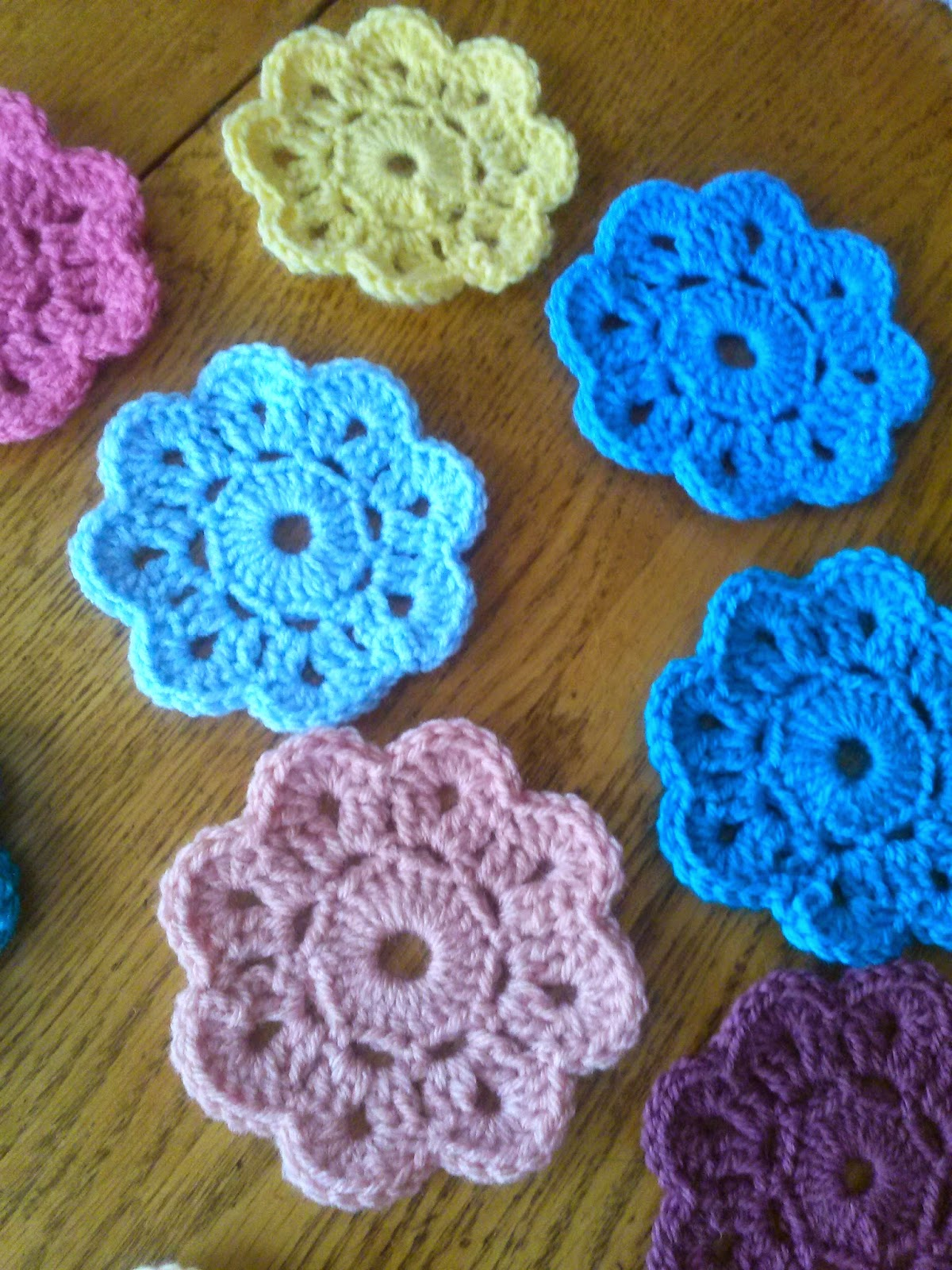 Maybelle crochet flower free pattern manet for keep on keeping on a maybelle flower garland and a square maybelle crochet flower free pattern bankloansurffo Images
