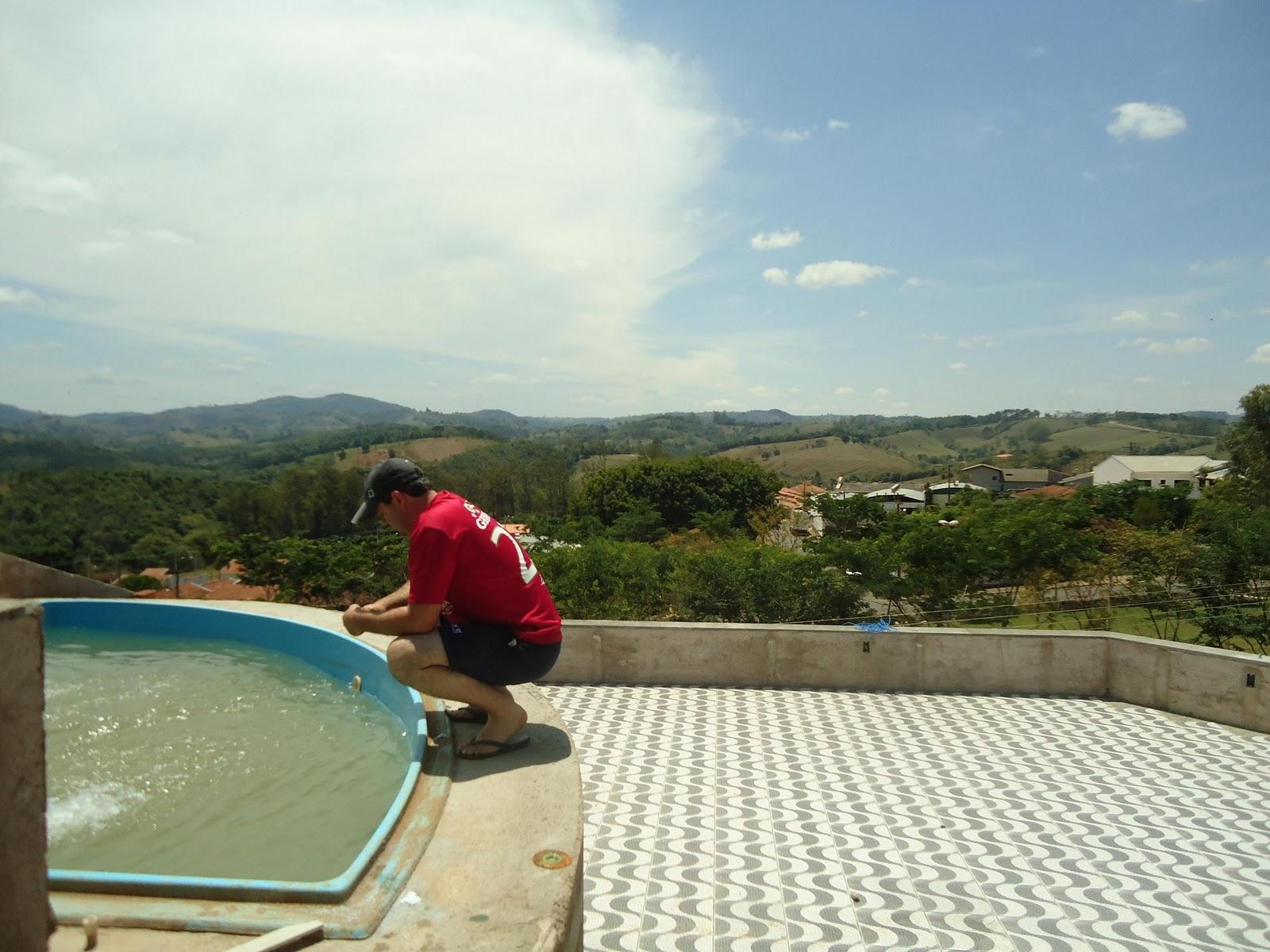 Olha o Maridão aí é o 1º vez que estamos limpando a piscina  #653225 1600x1200