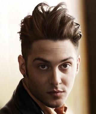 Foto Model Rambut Yang Cocok Untuk Wajah Bulat Pria