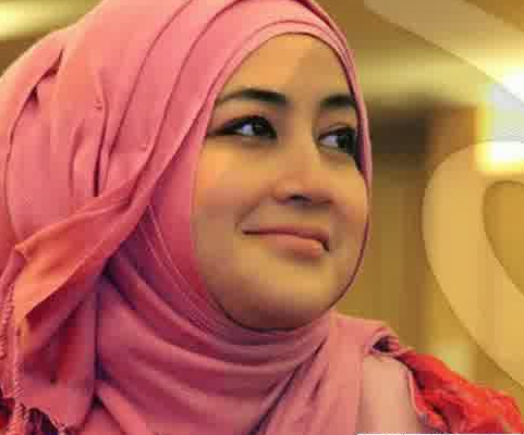 Gambar Hijab Modern Umi Pipik