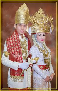 Baju Adat Daerah Lampung