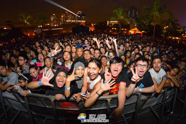 Smile =) OneRepublic Native Live in Malaysia 2013, Sunway Lagoon