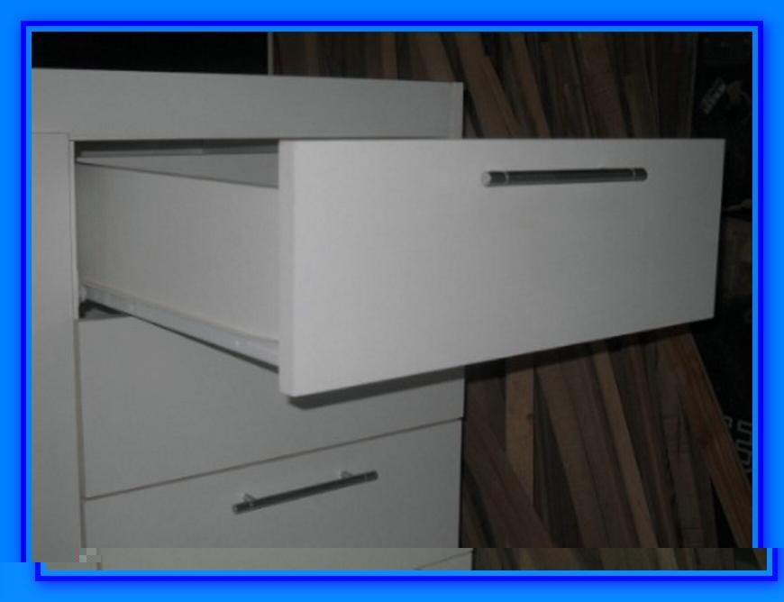 Muebles de cocina detalle para instalar cajones for Como hacer muebles para cocina