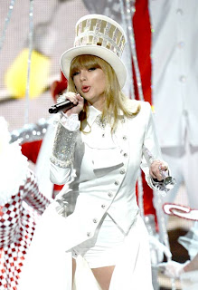Taylor Swift performing at the Grammy's