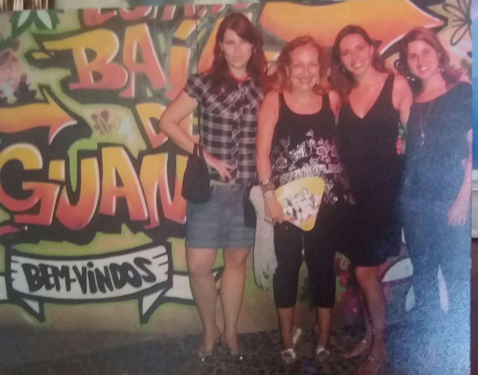 Tia Cidinha com Ana Paula,  Simone e Cristiane no Morro da Urca