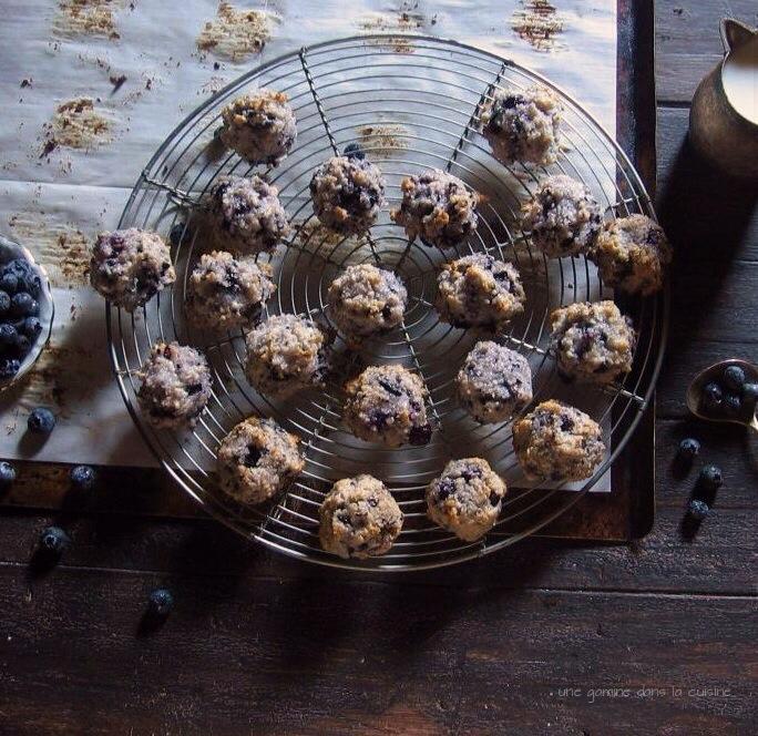 blueberry coconut macaroons | une gamine dans la cuisine