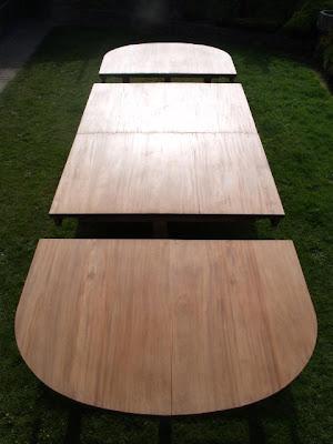 طاولة المؤتمر القديم العظيم