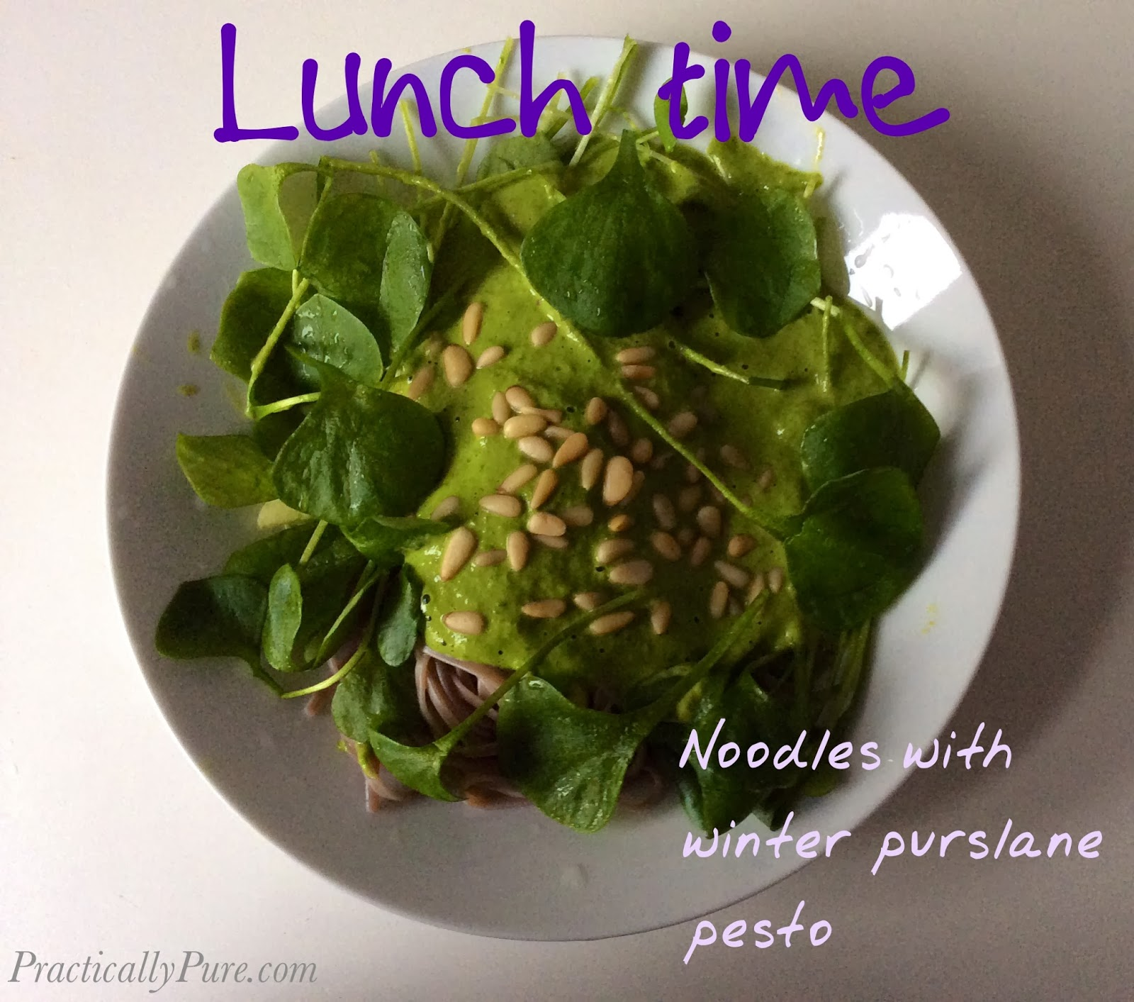 Healthy lunch: noodles with winter purslane pesto