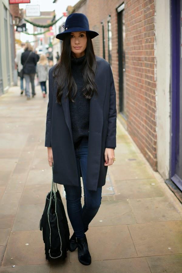 Blue_Outfit_LamourDeJuliette_WinterOutfit_Fashion_Blog_Modeblog_010