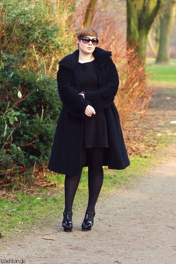 Outfits en negro simples y sensuales para gorditas
